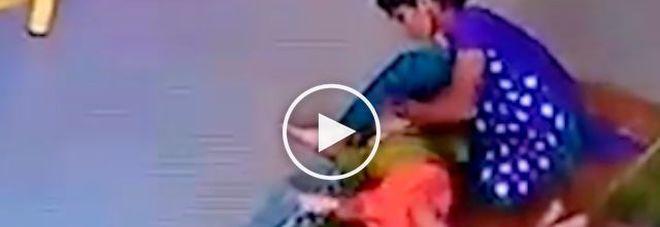 Educatrice picchia la bimba di 10 mesi così forte da romperle la testa
