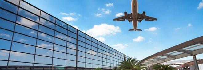 Volo da Manchester, il pilota si sente male: atterraggio d'emergenza