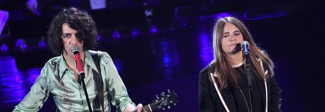 Sanremo, Motta-Nada miglior duetto tra i fischi