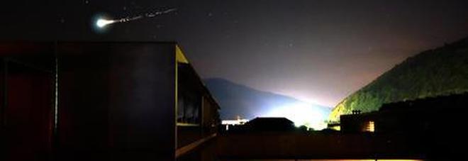 Meteorite esplode sopra il mare: «Bomba 10 volte superiore a quella di Hiroshima»