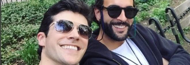 Roberto Bolle e Marco Mengoni insieme a New York. Il selfie su Instagram manda in delirio i fan