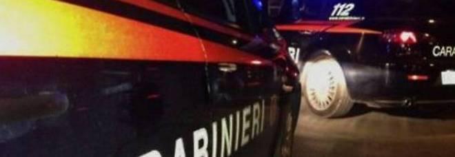 Terrore all'Eurospin: armati seminano il panico alle casse Il colpo a pochi passi dalla caserma dei carabinieri