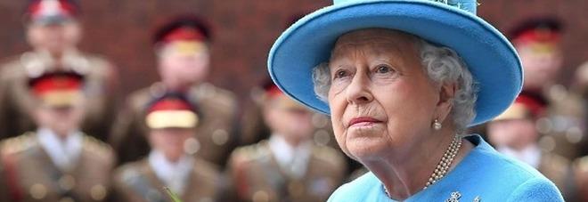 La regina Elisabetta cerca un giardiniere: ecco la paga. «Contratto a tempo indeterminato»