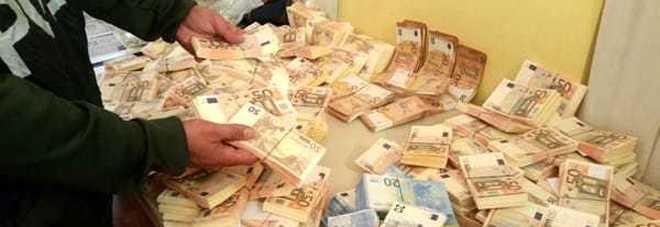Un milione in banconote false: arrestato 30enne incensurato