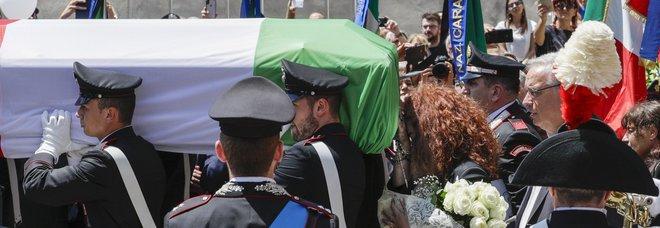 Addio al carabiniere ucciso, l'appello del generale Nistri: «Evitiamo la dodicesima coltellata»