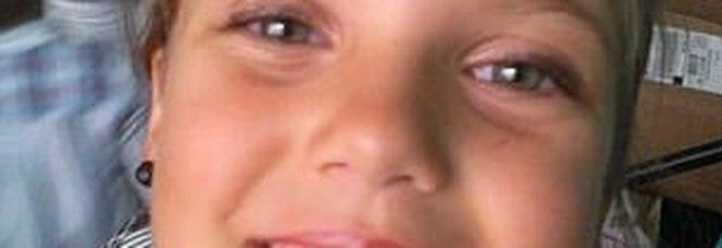 Violentata e data alle fiamme, bimba di 10 anni muore: la mamma e due cugini a processo
