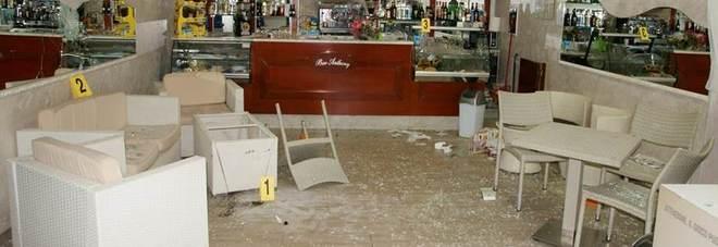 Dopo la rapina sfasciarono un bar: arrestati in due