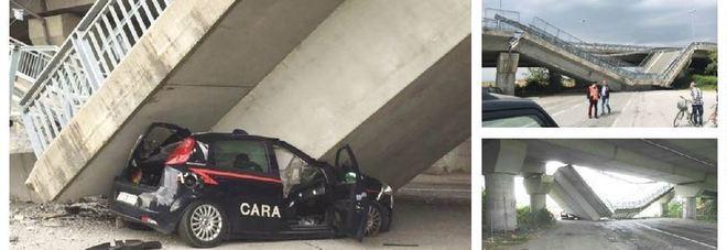 Crolla un altro cavalcavia: distrutta un'auto dei carabinieri