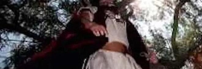 Tragica Via Crucis: 23enne muore impiccato mentre interpreta Giuda