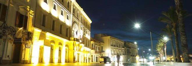 Colpo all'Hotel Internazionale: due rapinatori fuggono con 11mila euro
