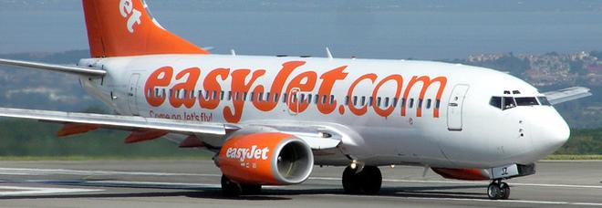 «O paghi prima per la scelta dei posti o non voli». EasyJet lascia a terra i passeggeri