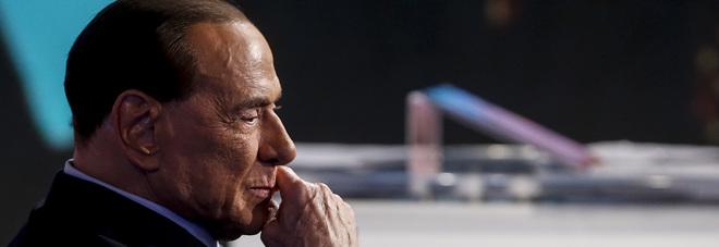 Migranti, Berlusconi: «È bomba sociale, in 600mila devono andare via». Erdogan: «Spari a Macerata? È terrorismo»
