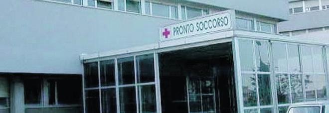 Botte per un posto nel locale: in ospedale con una costola rotta