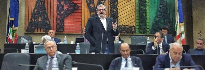 Michele Emiliano durante una delle ultime sedute del Consiglio regionale