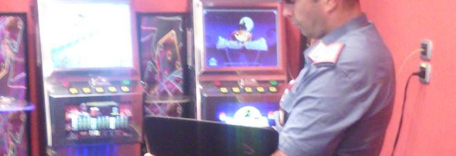 Gioco irregolare: sequestrate 22 slot machine e gestori multati per 110mila euro