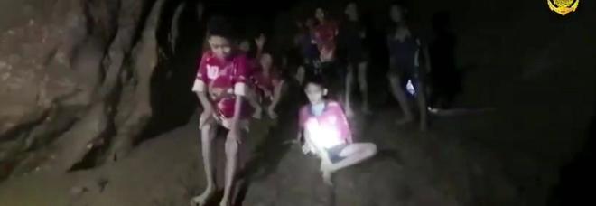 """Thailandia, la leggenda della principessa suicida: il suo """"spirito"""" nella grotta con i ragazzi"""