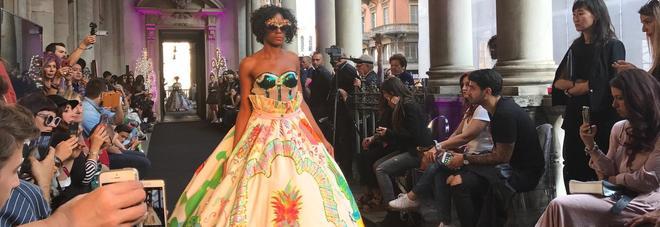 In passerella abiti ispirati al vino e alle ceramiche: la moda pugliese incanta Milano