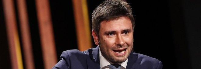Di Battista: «Salvini sembrava Dudù, Berlusconi parlava e lui muoveva la bocca»