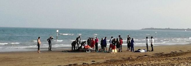 Matrimonio In Spiaggia Taranto : Promessa di nozze in paracadute il testimone si schianta