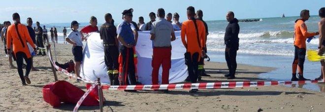 Due ragazzini di 11 e 14 anni dispersi in mare a Ortona, un altro giovane a Jesolo dopo un tuffo dal pedalò