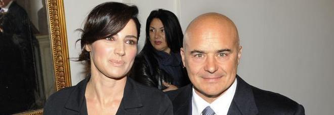 Luca Zingaretti, rissa a Milano con i paparazzi mentre passeggia con Luisa Ranieri e le bimbe
