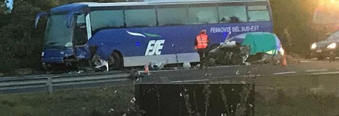 Si schianta contro un bus fermo Muore un giovane di 25 anni