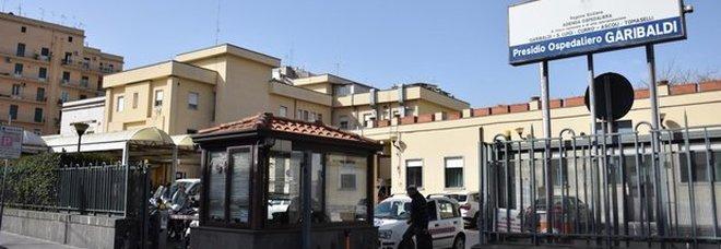 Catania, mamma di 26 anni uccide figlio di 3 mesi: lo ha scagliato a terra