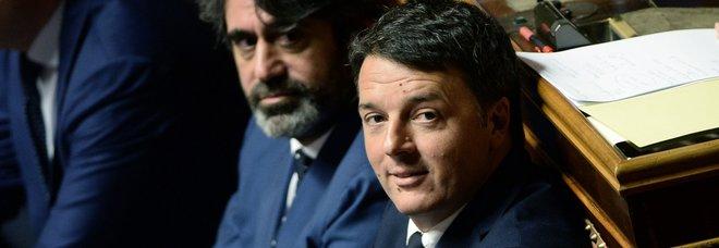 Renzi: contratto Lega-M5S scritto con l'inchiostro simpatico. E attacca il ministro Trenta