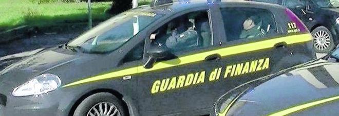 La banda dello spaccio: 10 arresti nella retata della Guardia di Finanza