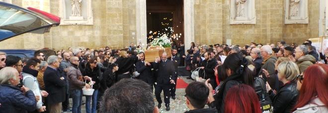 Il saluto a Francesco Montini in piazza Duomo (foto di Max Frigione)