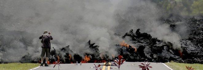Inferno alle Hawaii: esplode vulcano Kilauea Foto Video Gente in fuga