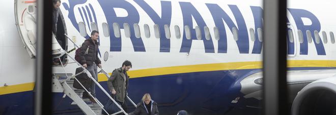 Ryanair, è caos sui voli: voli cancellati da Brindisi e Bari