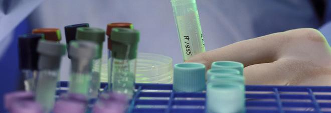 Laboratori analisi nel mirino del pm: sequestri a raffica
