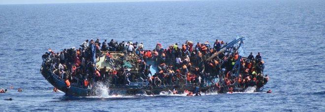 Trecento morti nel naufragio, tra loro 60 bambini: accusa di omicidio per la comandante e tre ufficiali