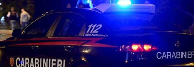 Bomba esplode nella notte: salta in aria l'auto di un carabiniere