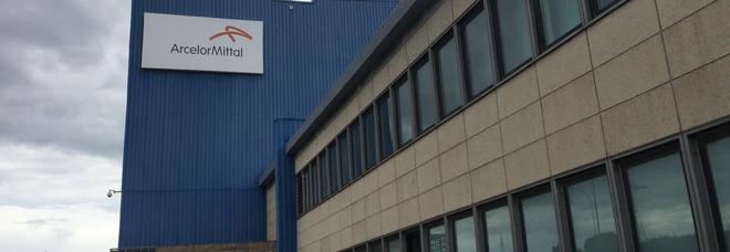 La doccia fredda di Arcelor Mittal: 1400 lavoratori in cassa integrazione