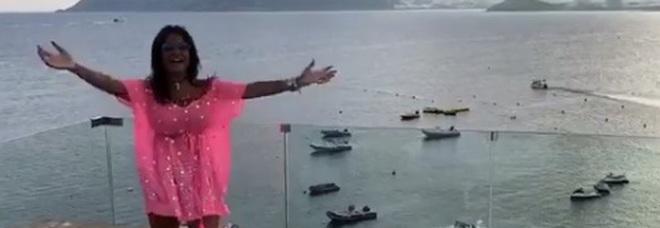 Aida Nizar, il video su Instagram: «Vi farò godere». Ma Barbara D'Urso la prende in giro