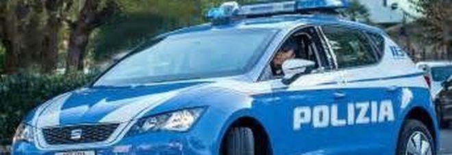 """Undici braccianti stipati su una vecchia auto: denunciato il """"caporale"""""""