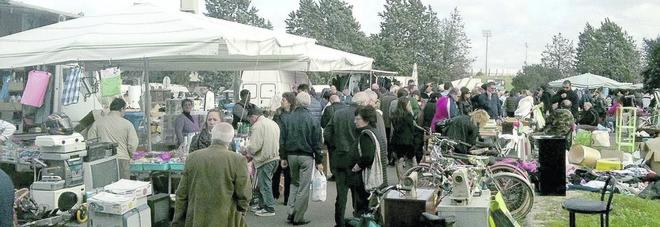 Il mercatino delle pulci ora è occupato dai topi