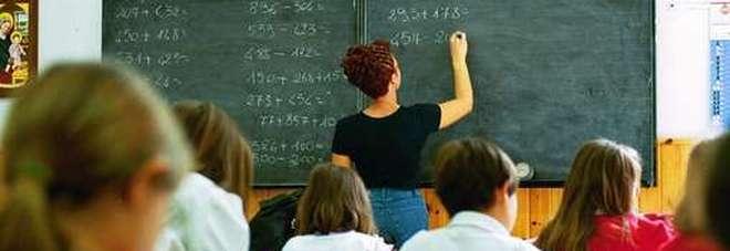 Aumenti per presidi e prof: fino a 85 euro mensili ma il contratto resta fermo al 2010