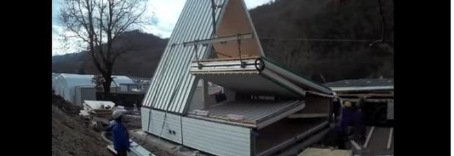 Ecco la casa pieghevole made in Italy: si monta in sei ore (e costa 28 mila euro) Il video