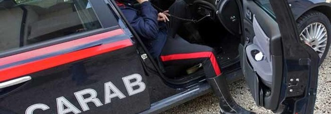 Minaccia la ex con un fucile da sub: arrestato compagno violento