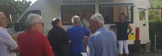 La sede è chiusa per lavori, l'ufficio postale si sposta nel camper