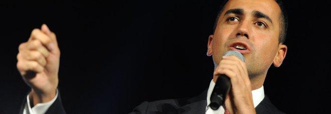 Di Maio: «No a sfida tv con Renzi» Ma domenica va da Fazio su Rai 1 Il segretario dem: ha paura, scappa