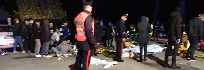 Ancona, spray al peperoncino in discoteca Fuggi fuggi: sei morti e 100 feriti