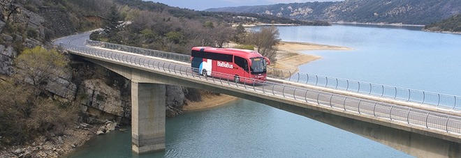 Viaggiare low cost, Blablacar lancia Blablabus e fa concorrenza a Flixbus: per un mese solo un euro a tratta