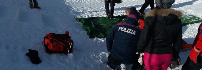 Slittino contro albero sul Renon: bimba muore, madre gravissima. «Avevano sbagliato pista»