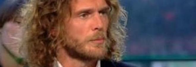 Ex calciatore ucciso da fulmine mentre fa surf a Bali, aveva giocato anche nel Foggia