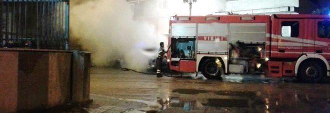 Incendiata auto dell'assessore comunale, paura nella notte