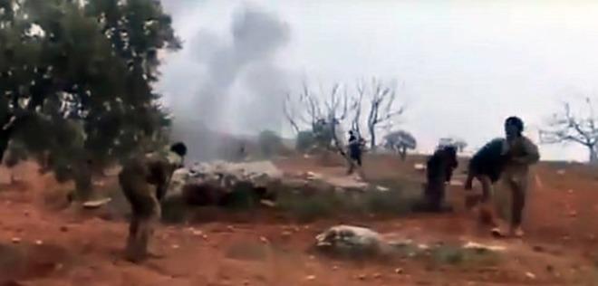 Il missile abbatte il suo jet, pilota si fa esplodere e uccide jihadisti: «Questo è per i nostri ragazzi»